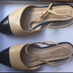 Chanel leather tan and black flats